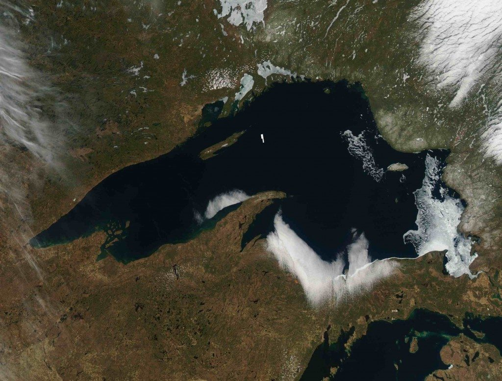 The ice on eastern Lake Superior, though small in proportion to the immense lake, still covers an area 89 miles (140 km) from north to south, and 47 miles (74 km) wide). (MODIS imagery  from NOAA Great Lakes CoastWatch)